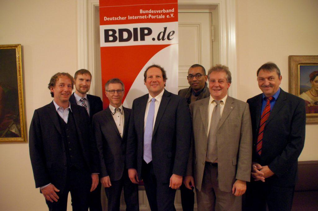 Foto des neuen Vorstands des BDIP
